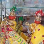 कोरोना काल में जन्माष्टमी: बाजार में आए मास्क और पीपीई किट पहने कान्हा